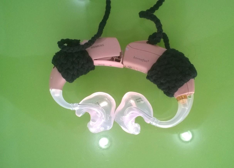 Phụ kiện cần thiết khi sử dụng Máy trợ thính hoặc Điện cực ốc tai