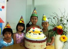 Sinh nhật bé Anh Thư 2011 - 2012